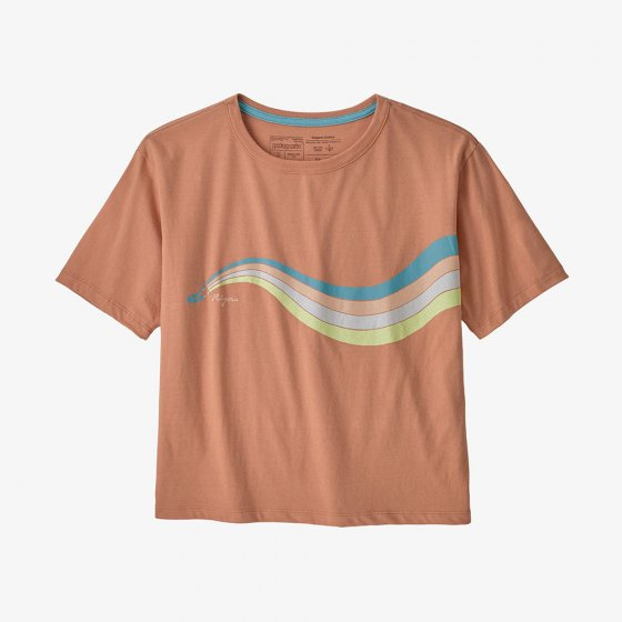 Picture of a the peachy colour t-shirt front facing. Picture background is white.