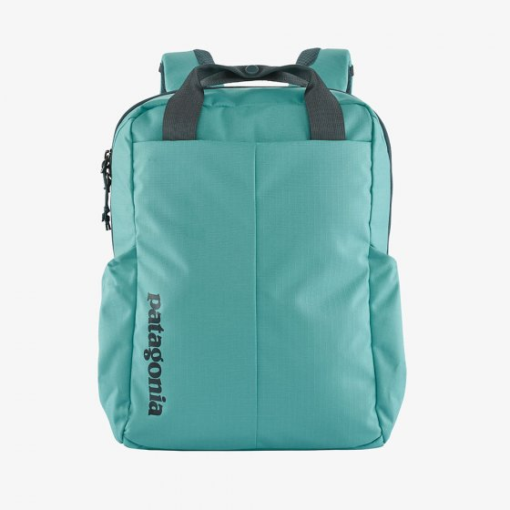 Picture of the 20L Tamangito backpack in Iggy blue (front view). Picture background is white.