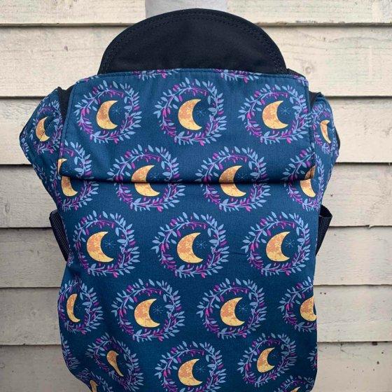 Integra Size 1 Follow The Moon Regular Strap Baby Carrier