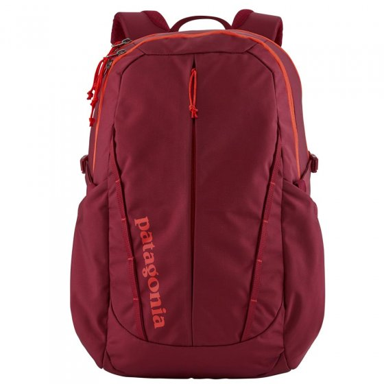 Picture of Patagonia Refugio backpack in red. Background of the picture is white.